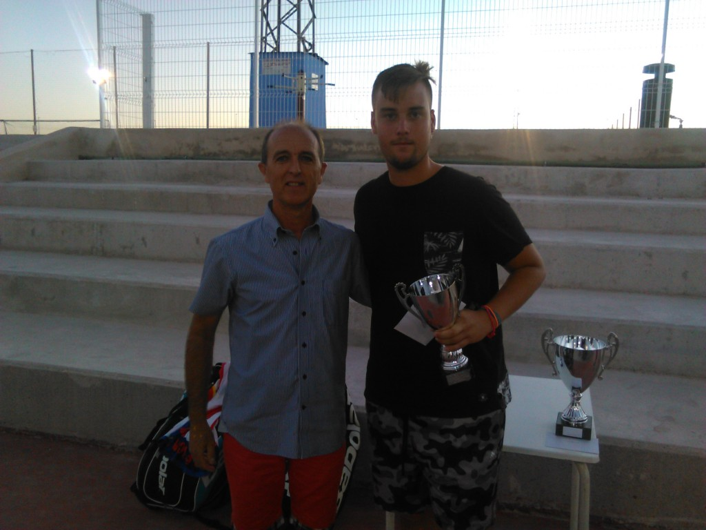 Pedro Bernabé.Trofeo